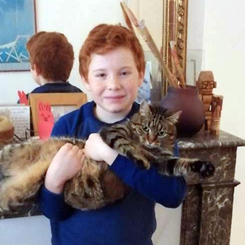 Maxime et son ami Sacha le chat