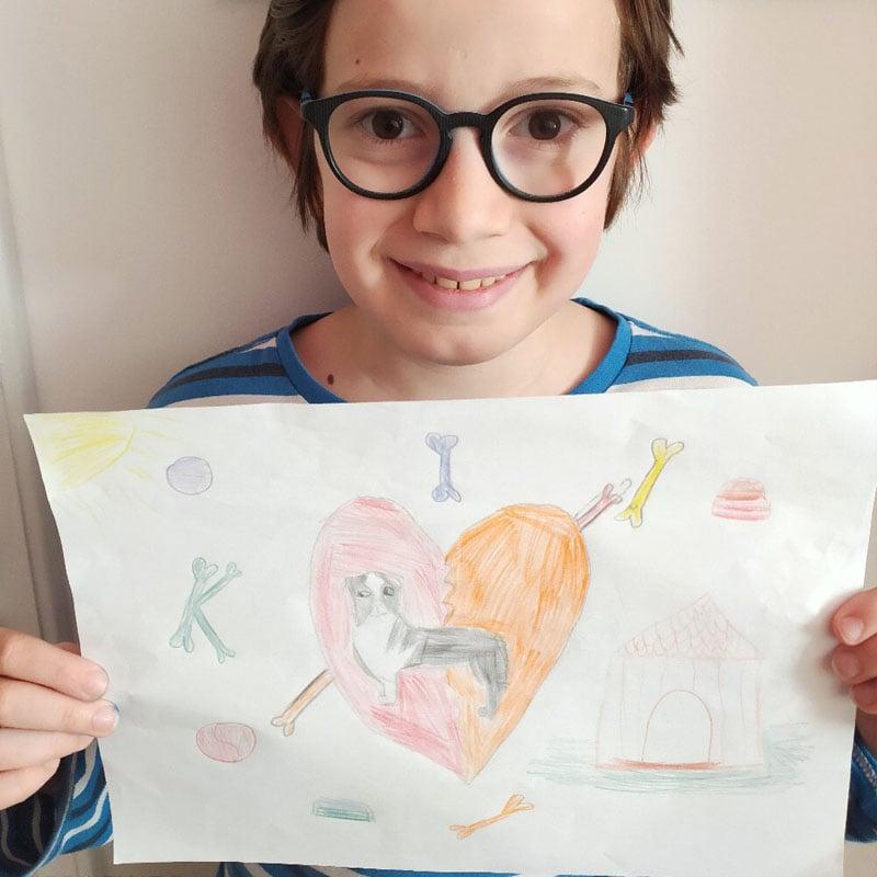 Célestin a dessiné un chien heureux!