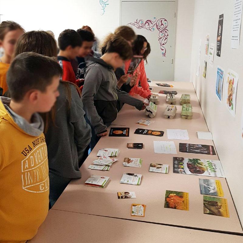 «Les professeurs amenaient leurs classes pour visiter l'exposition»