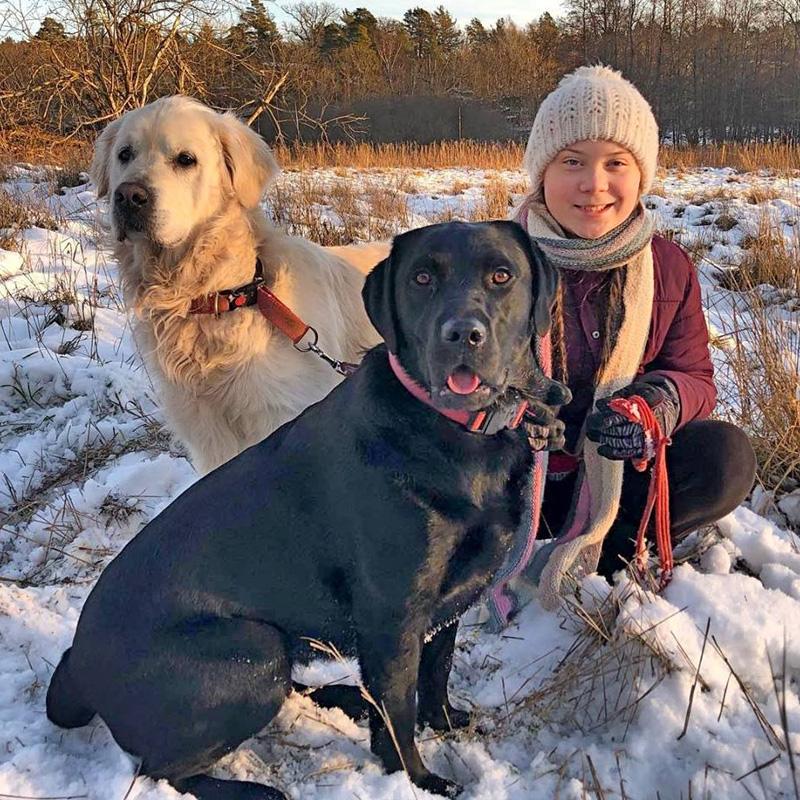 Greta a adopté l'un de ses 2 chiens dans un refuge pour animaux abandonnés.